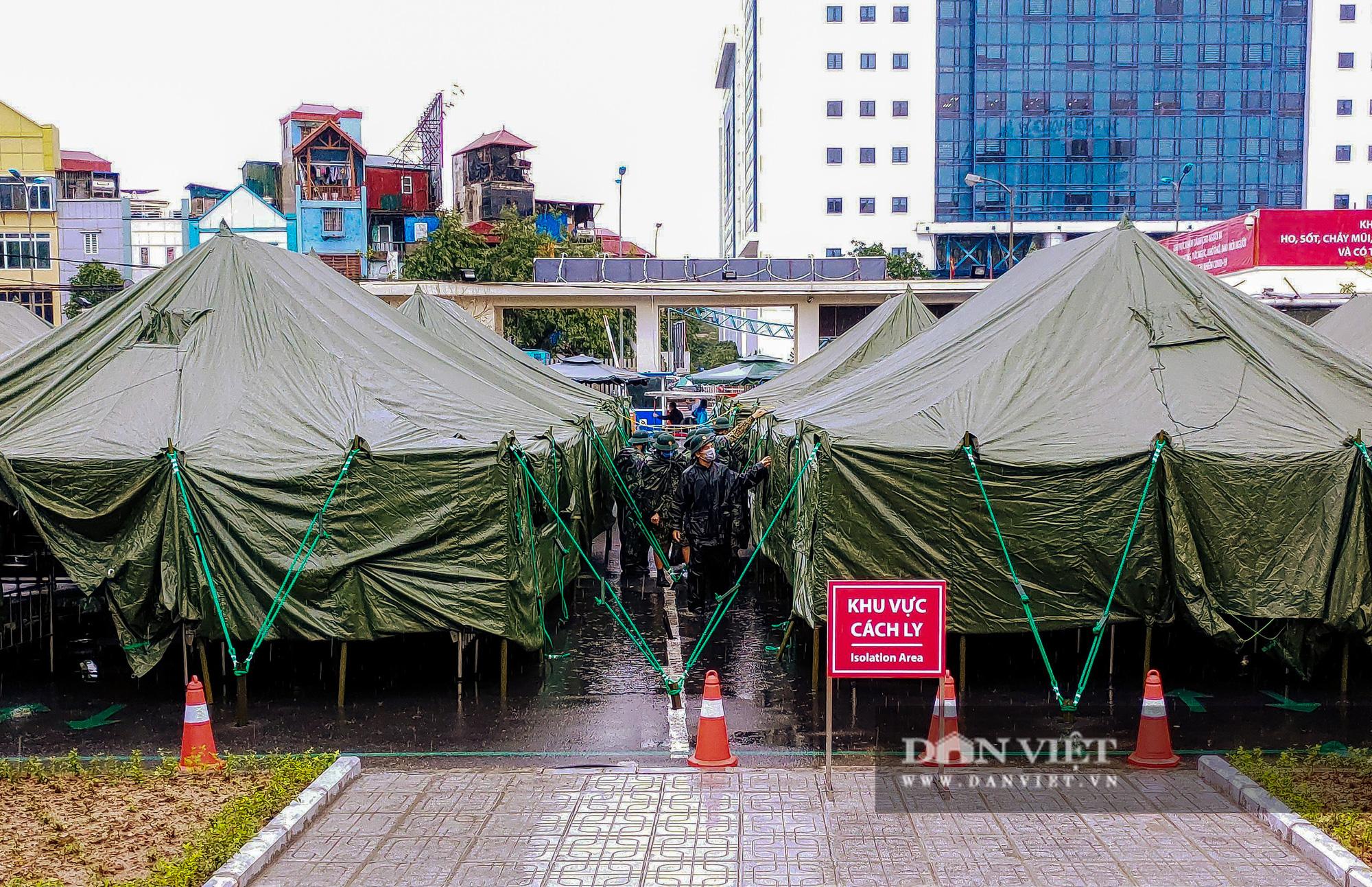 Cận cảnh bệnh viện dã chiến xây trong 4 tiếng ở Hà Nội  - Ảnh 11.