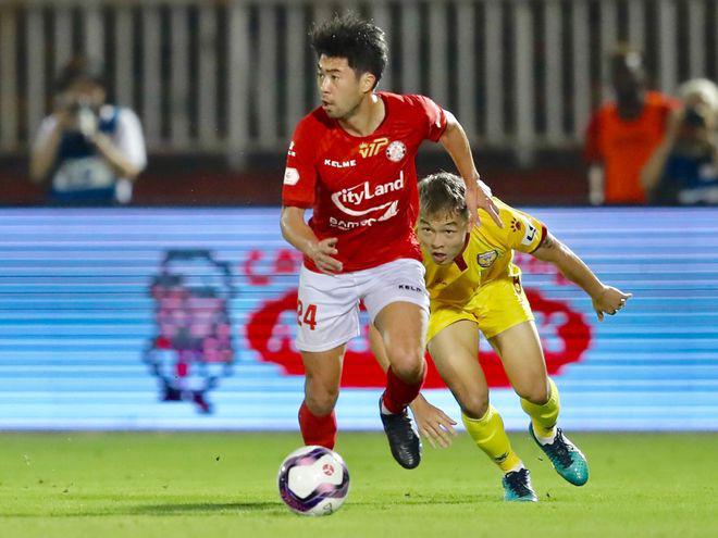 """Tin sáng (1/3): V.League có """"chặng Tourmalet"""", Lee Nguyễn phản ứng bất ngờ - Ảnh 1."""