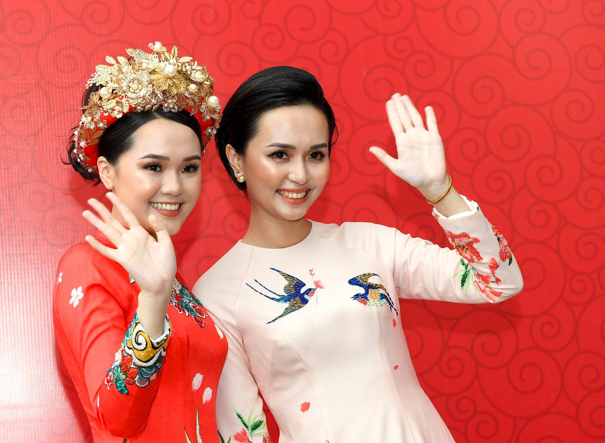 6 nàng WAGs Việt Nam nổi tiếng giàu có: Con đại gia, kiếm 100 tỷ/năm - Ảnh 3.