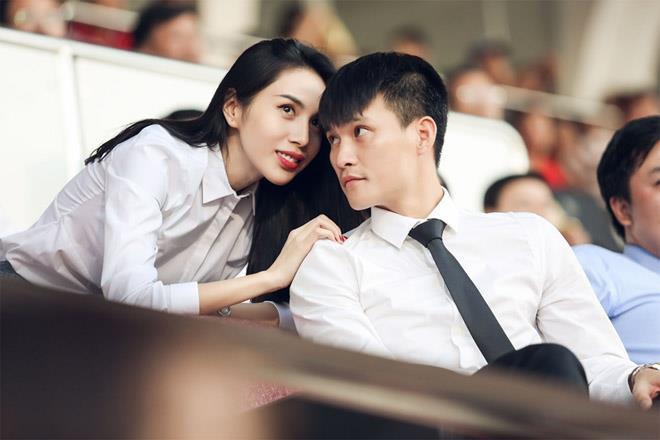 6 nàng WAGs Việt Nam nổi tiếng giàu có: Con đại gia, kiếm 100 tỷ/năm - Ảnh 12.