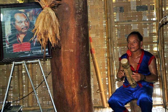 Ninh Thuận: Bàn tay vàng trong làng Raglai-người hồi sinh những cây đàn Chapi - Ảnh 3.