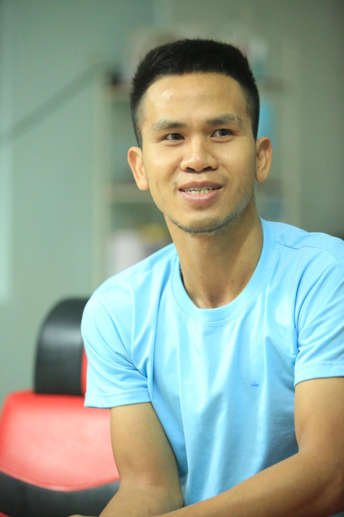 Những hình ảnh đời thường của người hùng Nguyễn Ngọc Mạnh - Ảnh 4.
