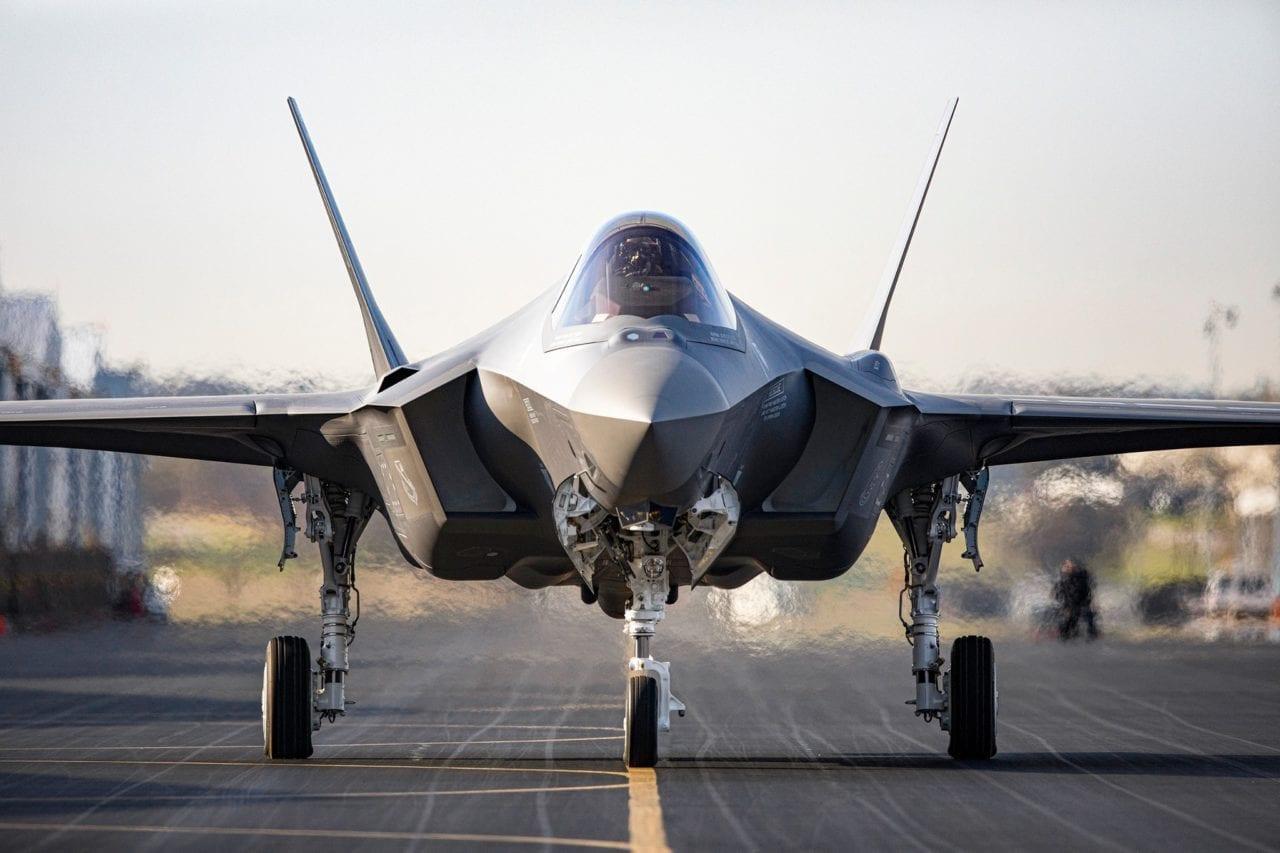Vì sao Mỹ vẫn phải mua thêm chiến đấu cơ thế hệ 4, 5 khi đã có F-22 và F-35? - Ảnh 6.