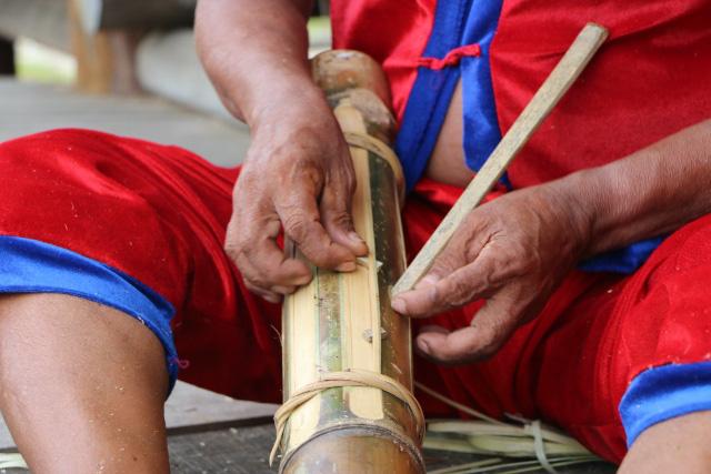 Ninh Thuận: Bàn tay vàng trong làng Raglai-người hồi sinh những cây đàn Chapi - Ảnh 2.
