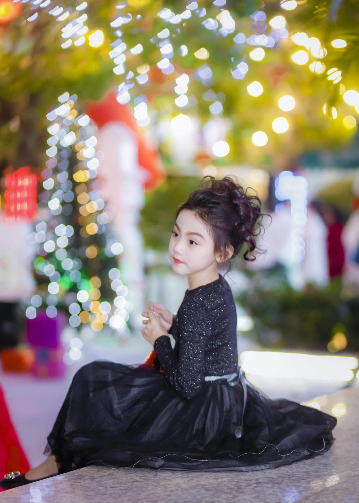 Quỳnh Vy: Nàng công chúa nhỏ đốn tim trong làng thời trang - Ảnh 2.