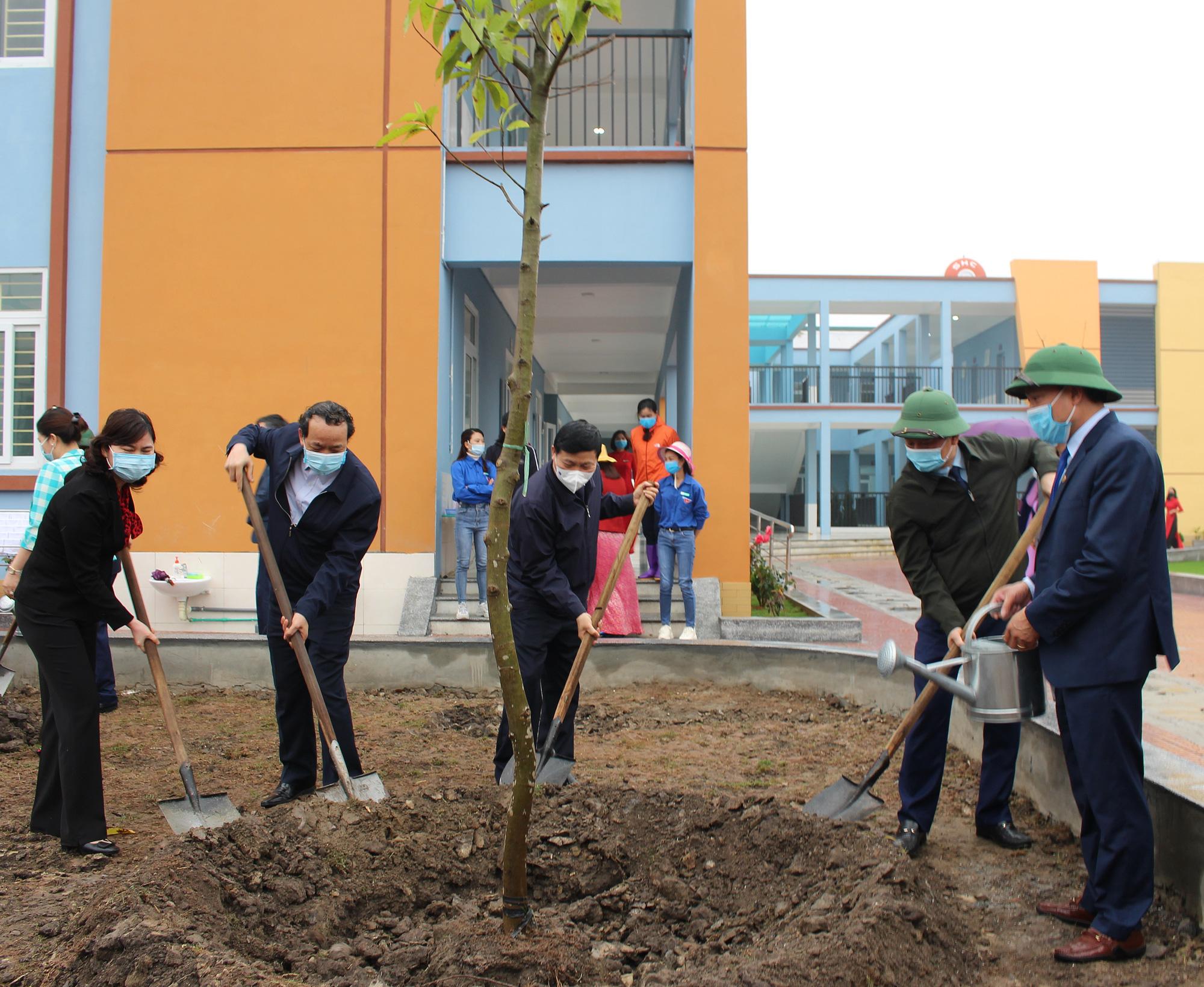 Hội Nông dân tỉnh Bắc Ninh trồng 50.000 cây xanh - Ảnh 1.