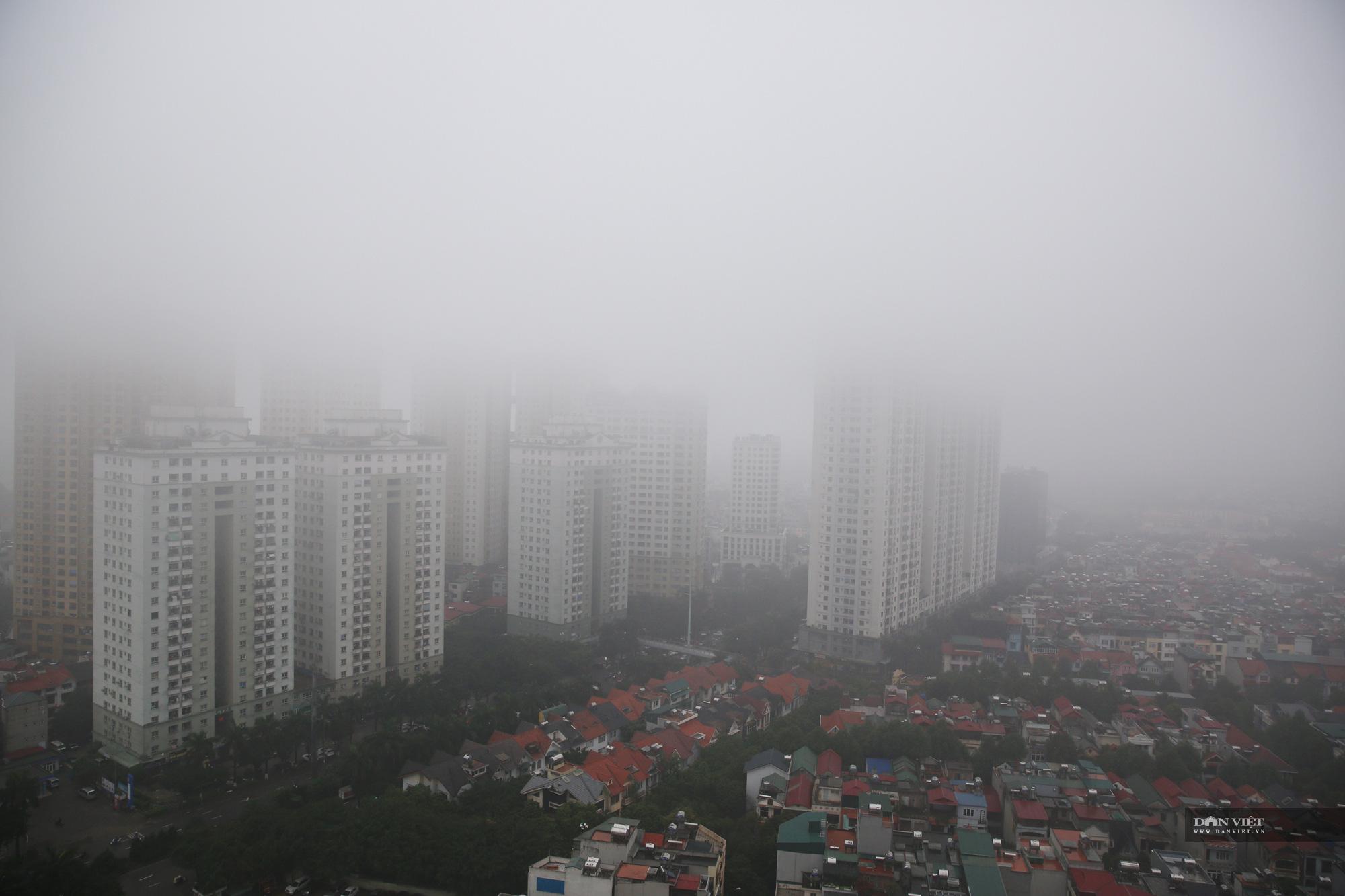 Hà Nội tắc đường và mờ sương như Đà Lạt - Ảnh 1.
