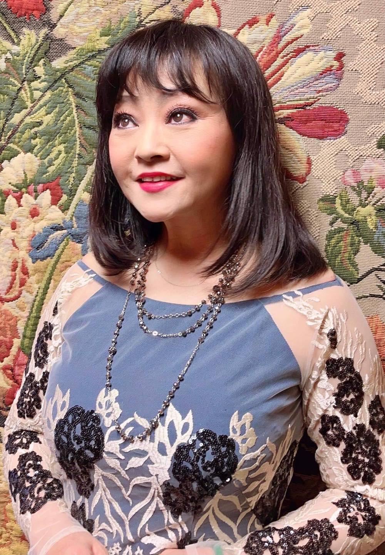 """""""Cô Xuyến"""" Hoàng Yến """"lột xác"""" quyến rũ hút mắt ở tuổi U50 hậu ly hôn người chồng thứ 4 - Ảnh 6."""