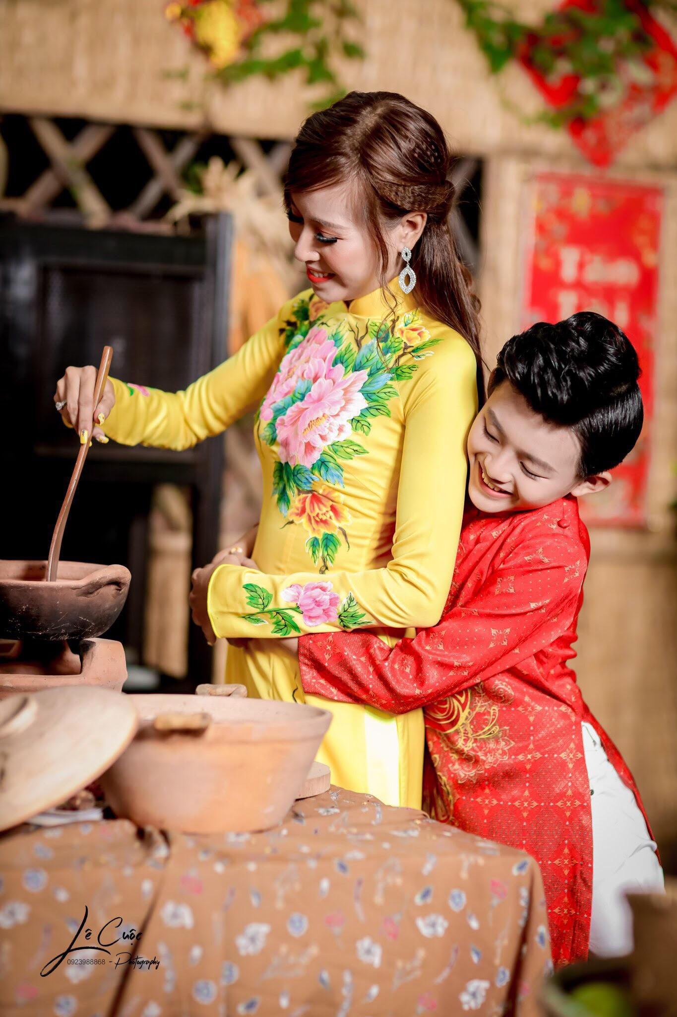 """Hai mẹ con """"Hoàng tử thời trang"""" Quốc Vũ gây sốt trong loạt ảnh mới - Ảnh 4."""