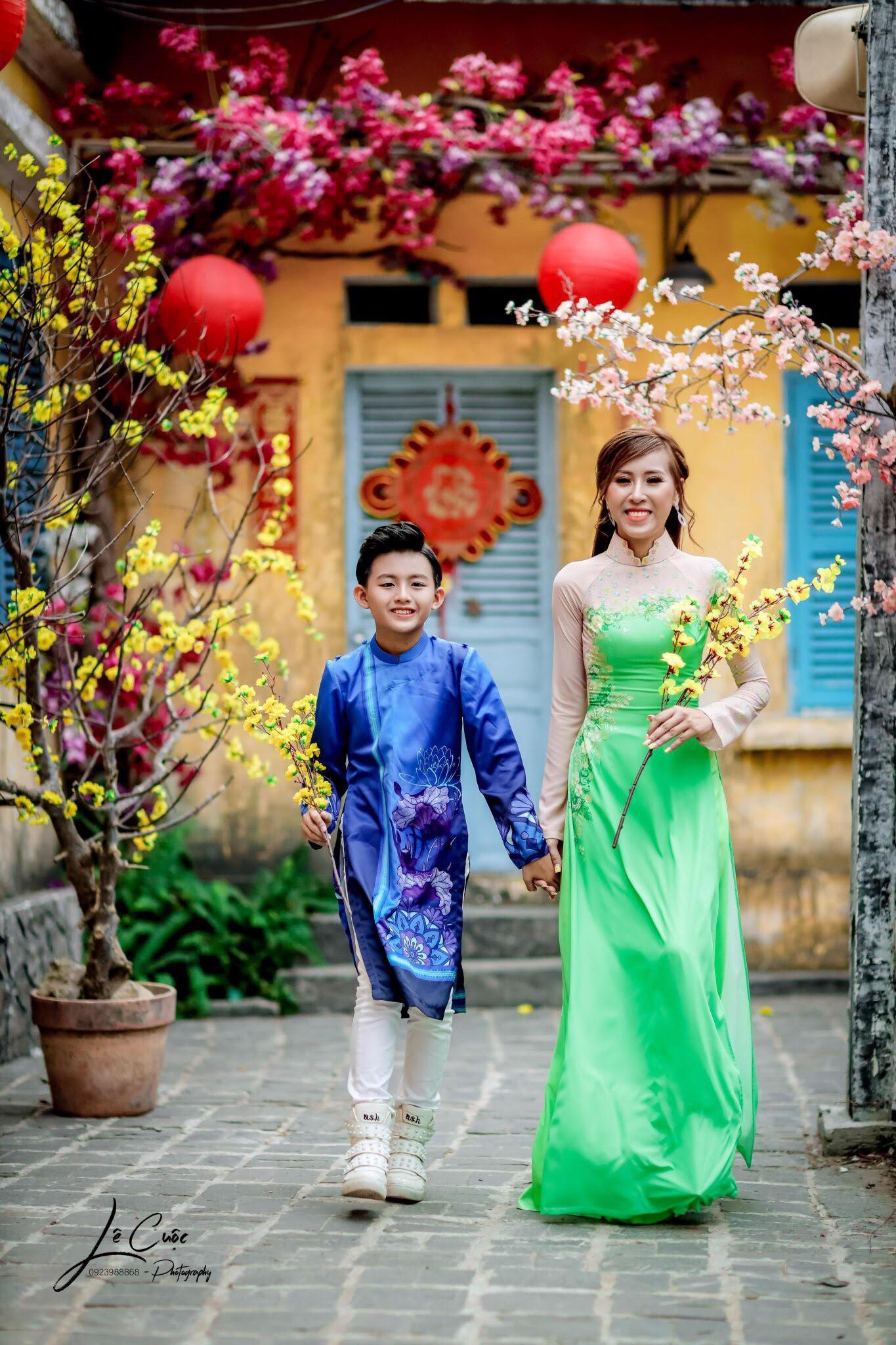 """Hai mẹ con """"Hoàng tử thời trang"""" Quốc Vũ gây sốt trong loạt ảnh mới - Ảnh 5."""
