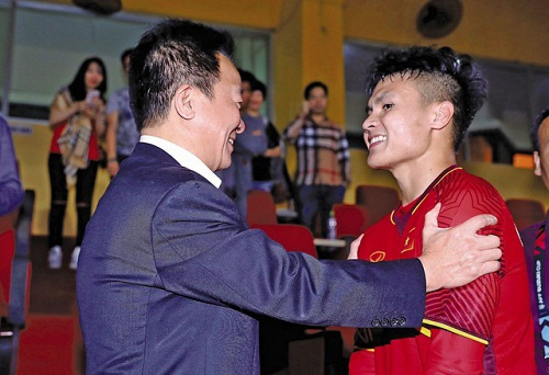 CLB La Liga quan tâm tới Quang Hải, bầu Hiển lập tức ra tay - Ảnh 1.