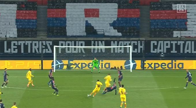 PSG vượt qua Barca, HLV Pochettino vẫn... không hài lòng - Ảnh 1.