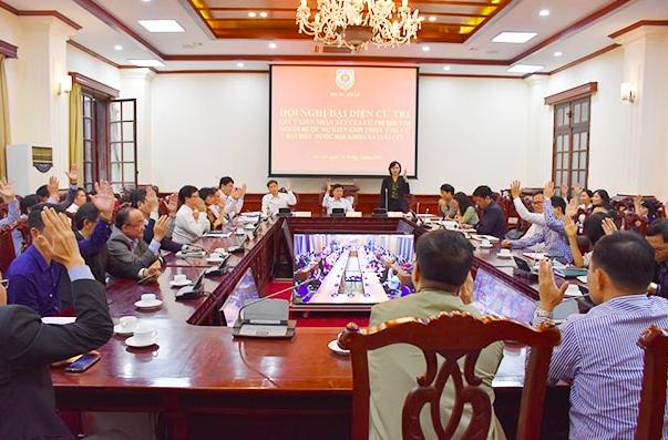 100% đại biểu đồng ý giới thiệu Bộ trưởng Bộ Tư pháp ứng cử ĐBQH khoá XV - Ảnh 1.