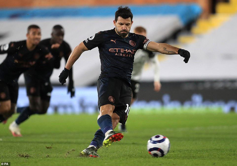 """Man City hạ Fulham, HLV Guardiola khen ngợi """"thương binh"""" Aguero - Ảnh 1."""