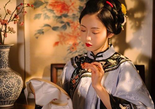 Nhờ nốt ruồi ở lòng bàn chân, nha hoàn khéo tay đổi đời làm mẹ hoàng đế - Ảnh 2.
