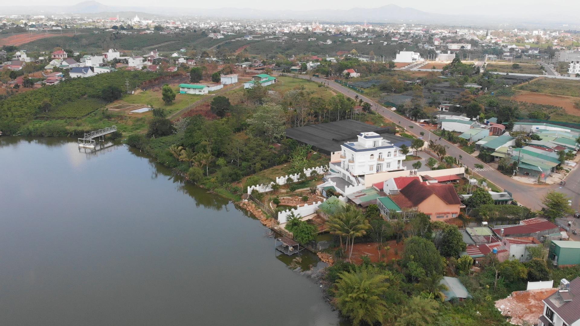 Lâm Đồng: Tạm đình chỉ công tác nhiều cán bộ do buông lỏng quản lý đất đai, xây dựng - Ảnh 2.