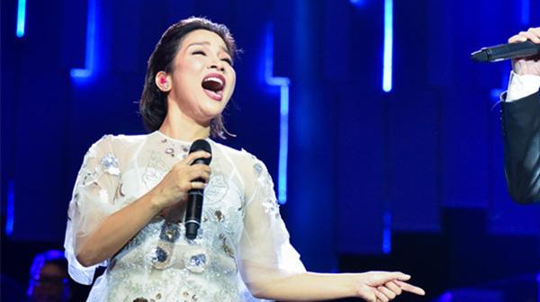 """Diva Mỹ Linh nói gì khi bị chê """"sao hát mở mồm to thế, xấu quá""""? - Ảnh 1."""