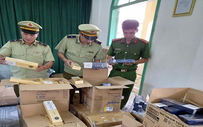 Phú Yên: Thu giữ 10.000 bao thuốc lá nhập lậu đang trên đường tiêu thụ - Ảnh 1.