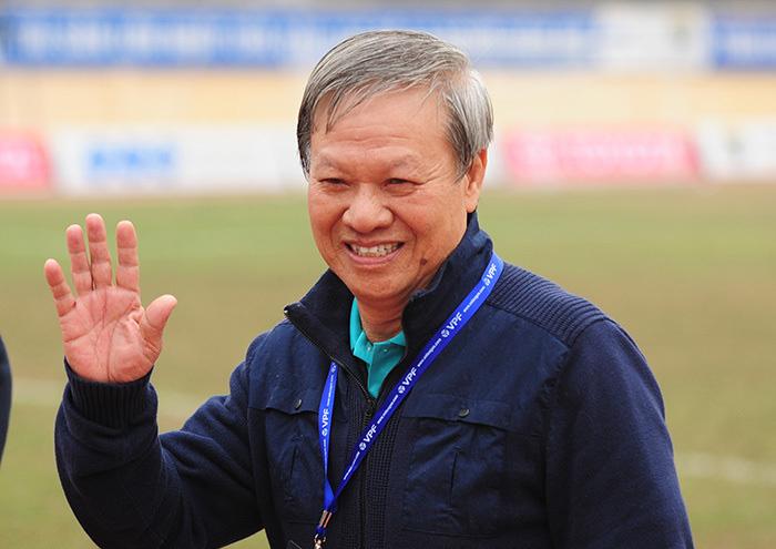 Lee Nguyễn chỉ đá tròn vai, HLV Lê Thụy Hải nhận xét phũ - Ảnh 1.