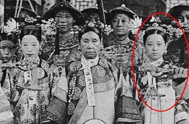 """Dung nhan đệ nhất mỹ nữ 18 tuổi, không chỉ mê hoặc nam nhân mà cả Từ Hi Thái Hậu cũng sủng như """"trân bảo"""" - Ảnh 2."""