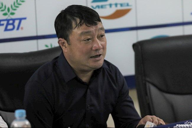 Thua đau Viettel, HLV Nam Định trách trọng tài - Ảnh 3.