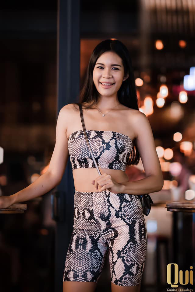 Prueksa Khonthiang - vợ ngoại binh Pedro Paulo: WAGs sexy nhất V.League - Ảnh 22.