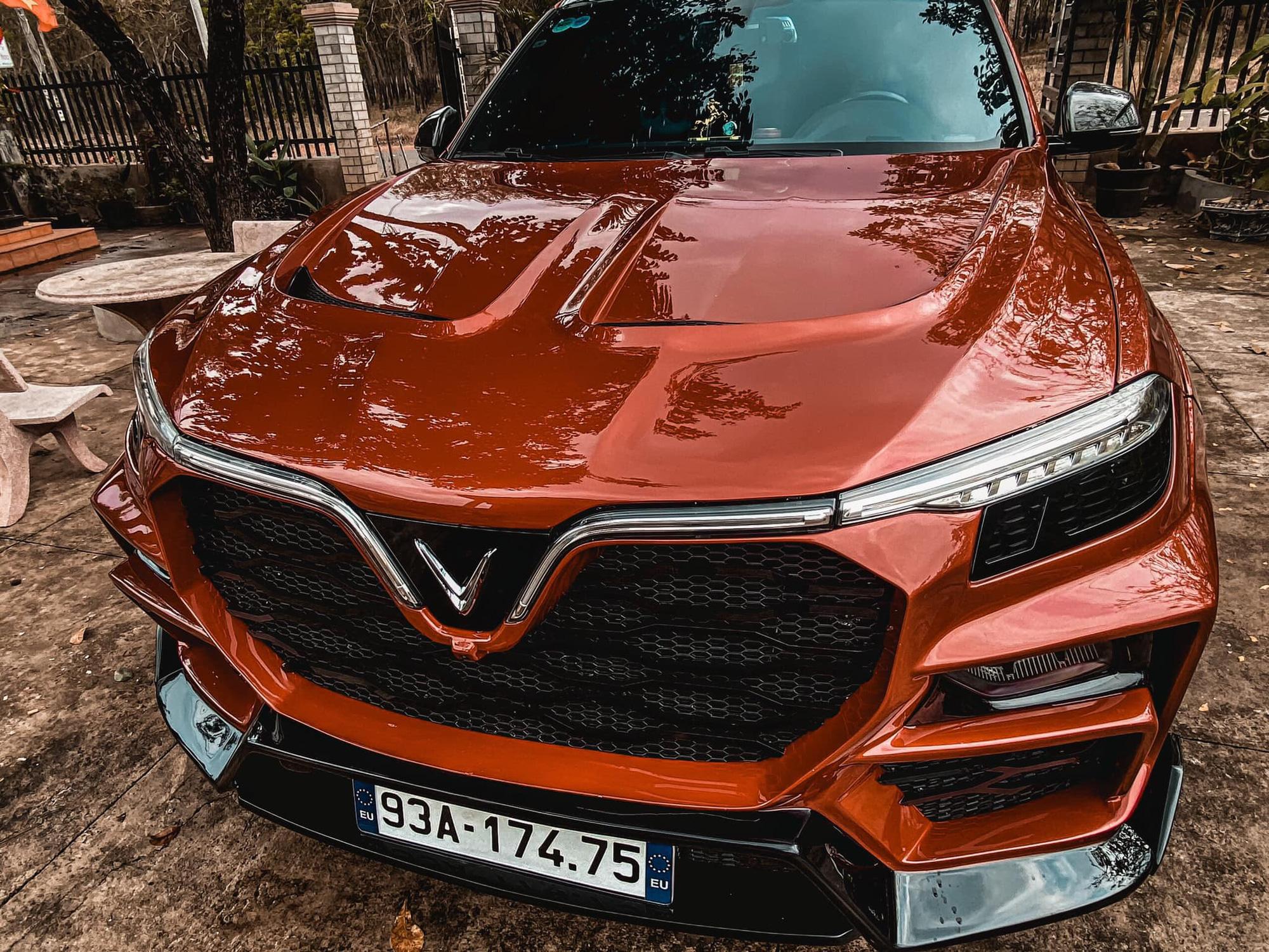 """Choáng ngợp chiếc xe VinFast Lux SA2.0 phiên bản """"độ""""  - Ảnh 2."""
