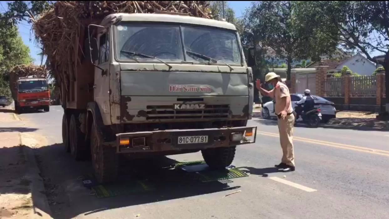 Đắk Lắk: Xe quá tải vẫn tung hoành sau khi CSGT ra quân - Ảnh 2.