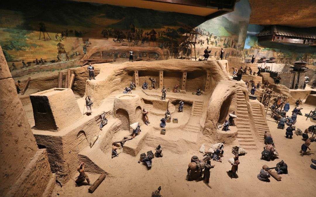 Những người xây lăng mộ cho các Hoàng đế Trung Hoa có bị chôn sống? - Ảnh 4.