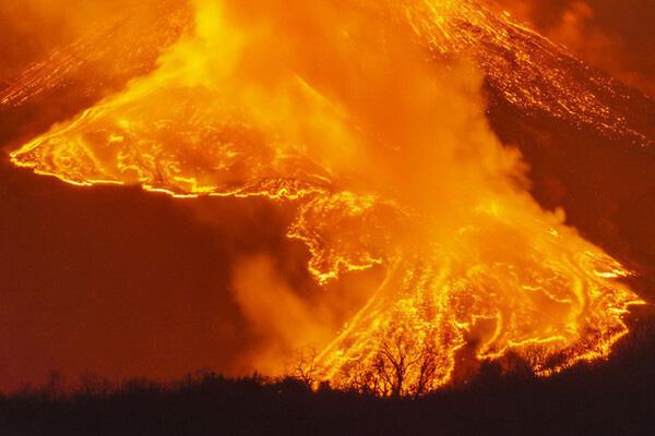 Những nhà khoa học tự chế dung nham nhằm phục vụ cho việc nghiên cứu thảm họa - Ảnh 4.