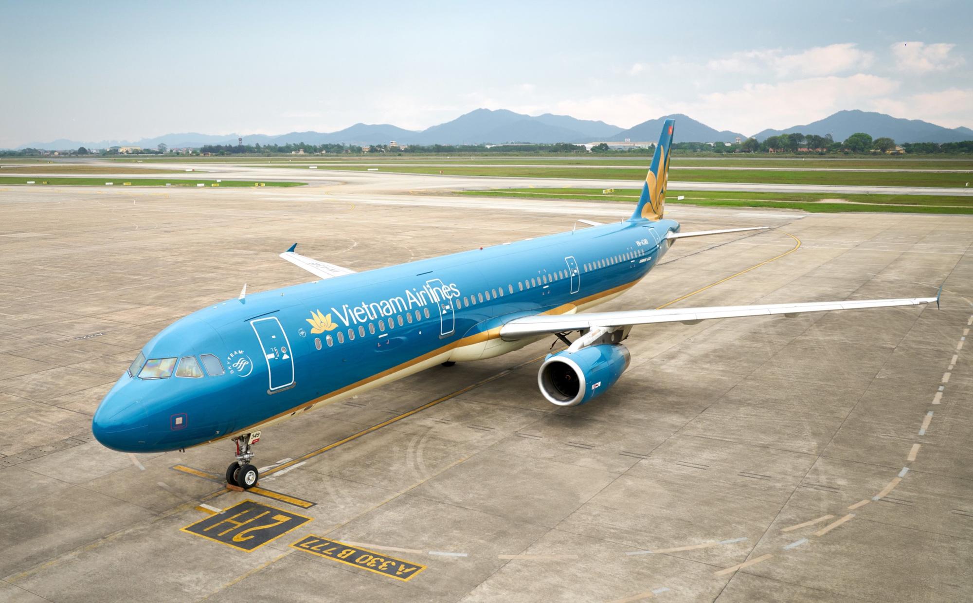 Những chuyến bay đầu tiên hạ cánh xuống sân bay Vân Đồn sau khi hoạt động trở lại - Ảnh 4.
