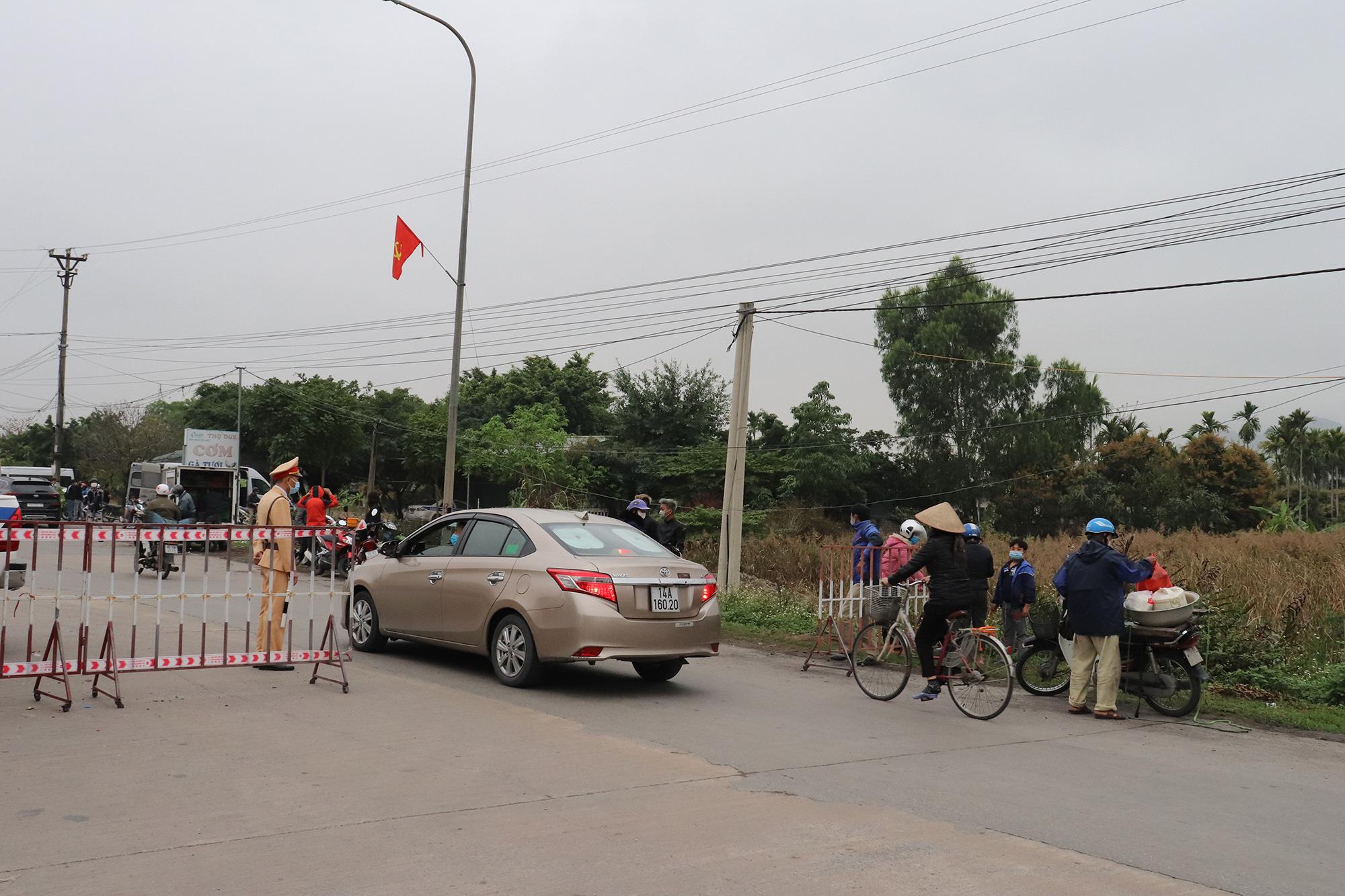 Quảng Ninh mở lại một số hoạt động kinh tế - xã hội từ ngày 2/3 - Ảnh 1.