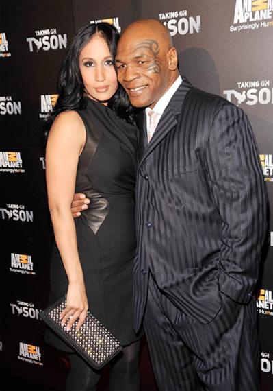 Dị như Mike Tyson: Ngồi tù, vẫn làm quản giáo có bầu - Ảnh 1.