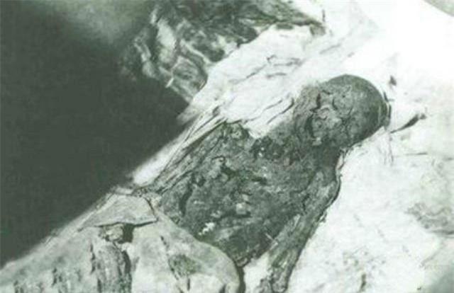 Tên trộm mộ khét tiếng nhất thế giới: Dám mạo phạm thái hậu, hoàng đế - Ảnh 5.