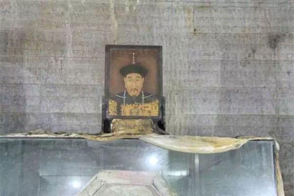 Tên trộm mộ khét tiếng nhất thế giới: Dám mạo phạm thái hậu, hoàng đế - Ảnh 6.