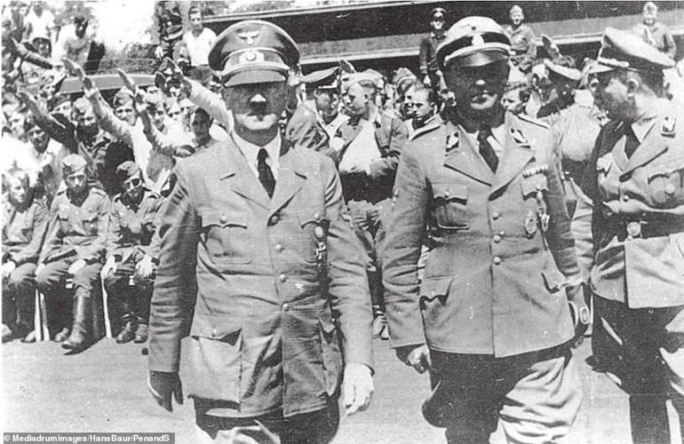 Cái chết bí ẩn của cháu trai trùm phát xít Hitler trong nhà tù Liên Xô - Ảnh 4.