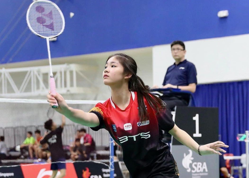 Nhan sắc như thiên thần của tay vợt 14 tuổi lập kỷ lục cầu lông - Ảnh 3.