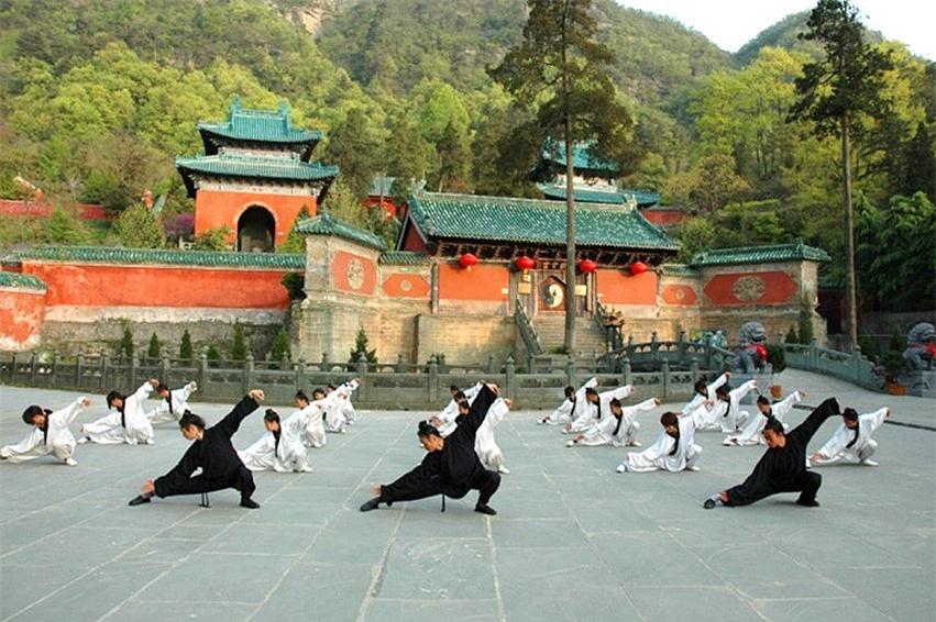 8 ngọn núi huyền thoại từng xuất hiện trong tiểu thuyết kiếm hiệp Kim Dung - Ảnh 6.