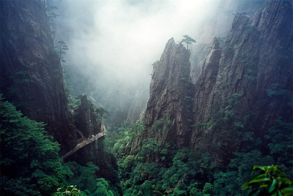 8 ngọn núi huyền thoại từng xuất hiện trong tiểu thuyết kiếm hiệp Kim Dung - Ảnh 8.