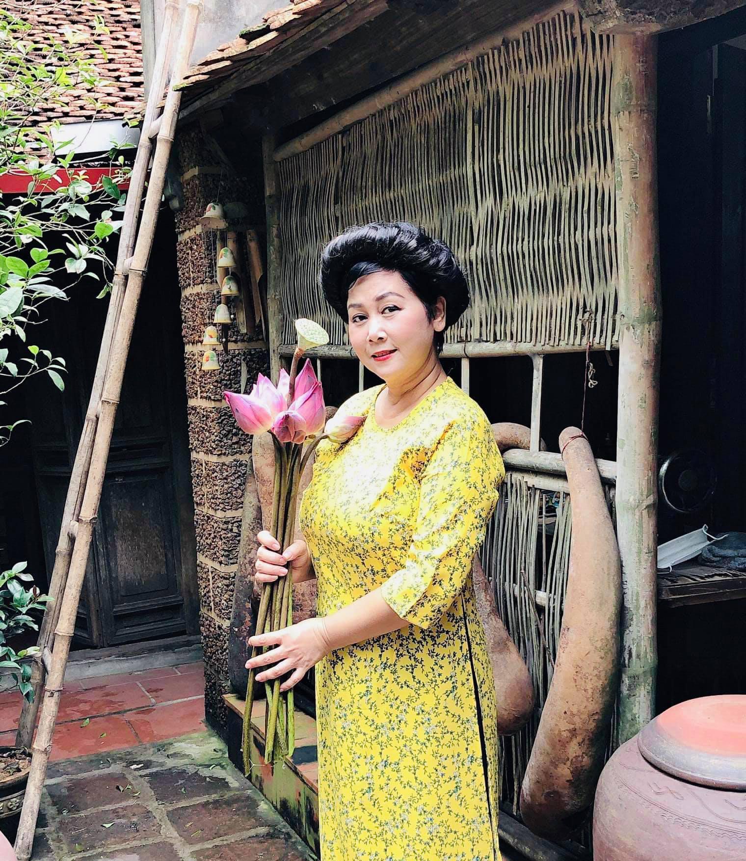 """NSND Minh Hằng: """"Ngôi nhà vợ chồng sống 18 năm giờ vắng lắm, chỉ còn mình em"""" - Ảnh 3."""