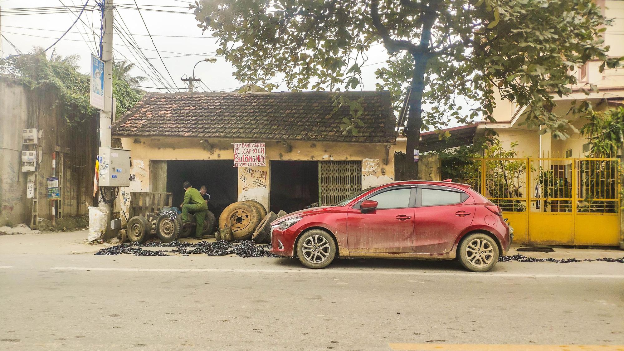 Lái Mazda 2 đi xuyên Việt, chủ xe chia sẻ ngỡ ngàng - Ảnh 3.