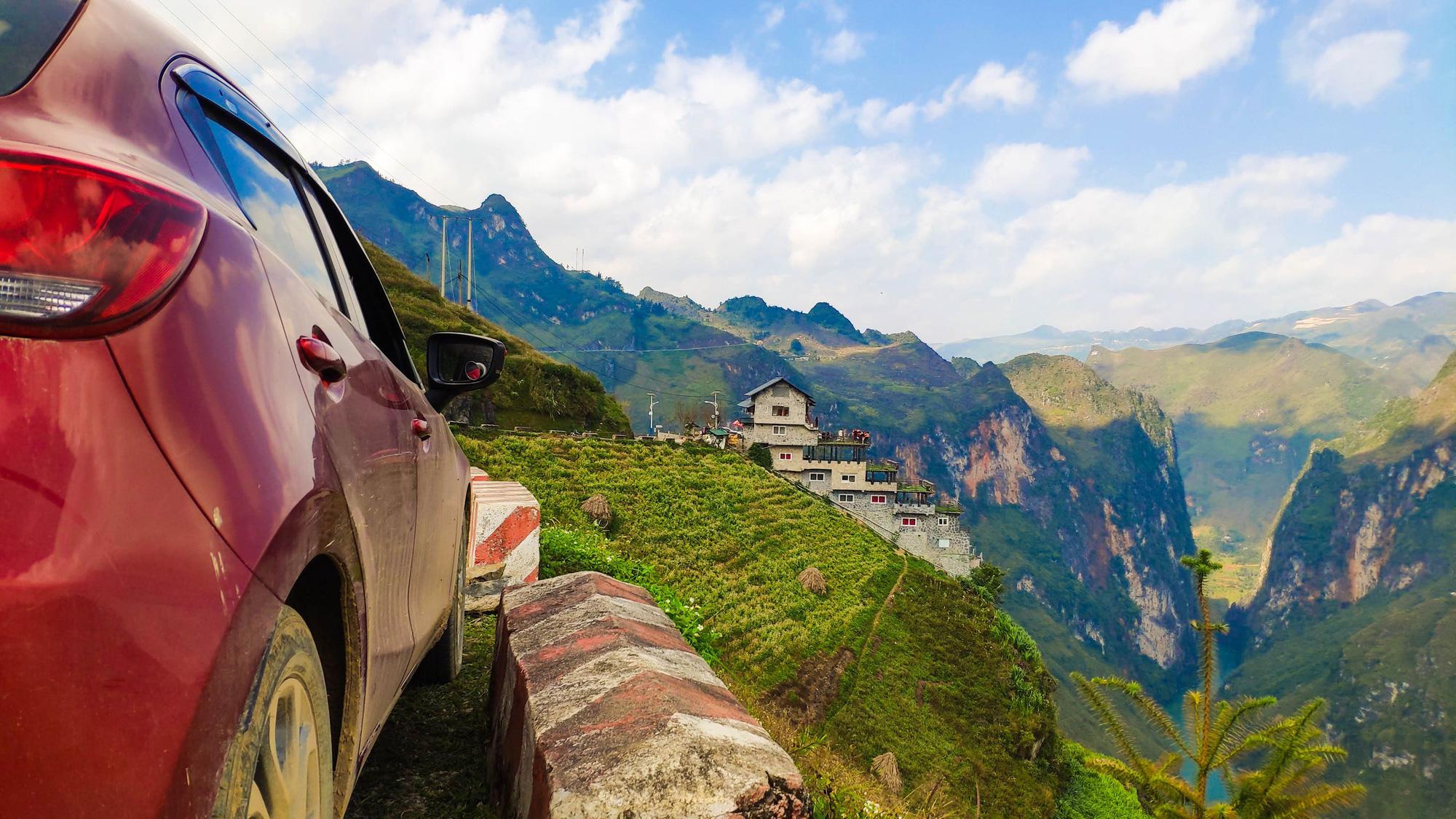 Lái Mazda 2 đi xuyên Việt, chủ xe chia sẻ ngỡ ngàng - Ảnh 7.