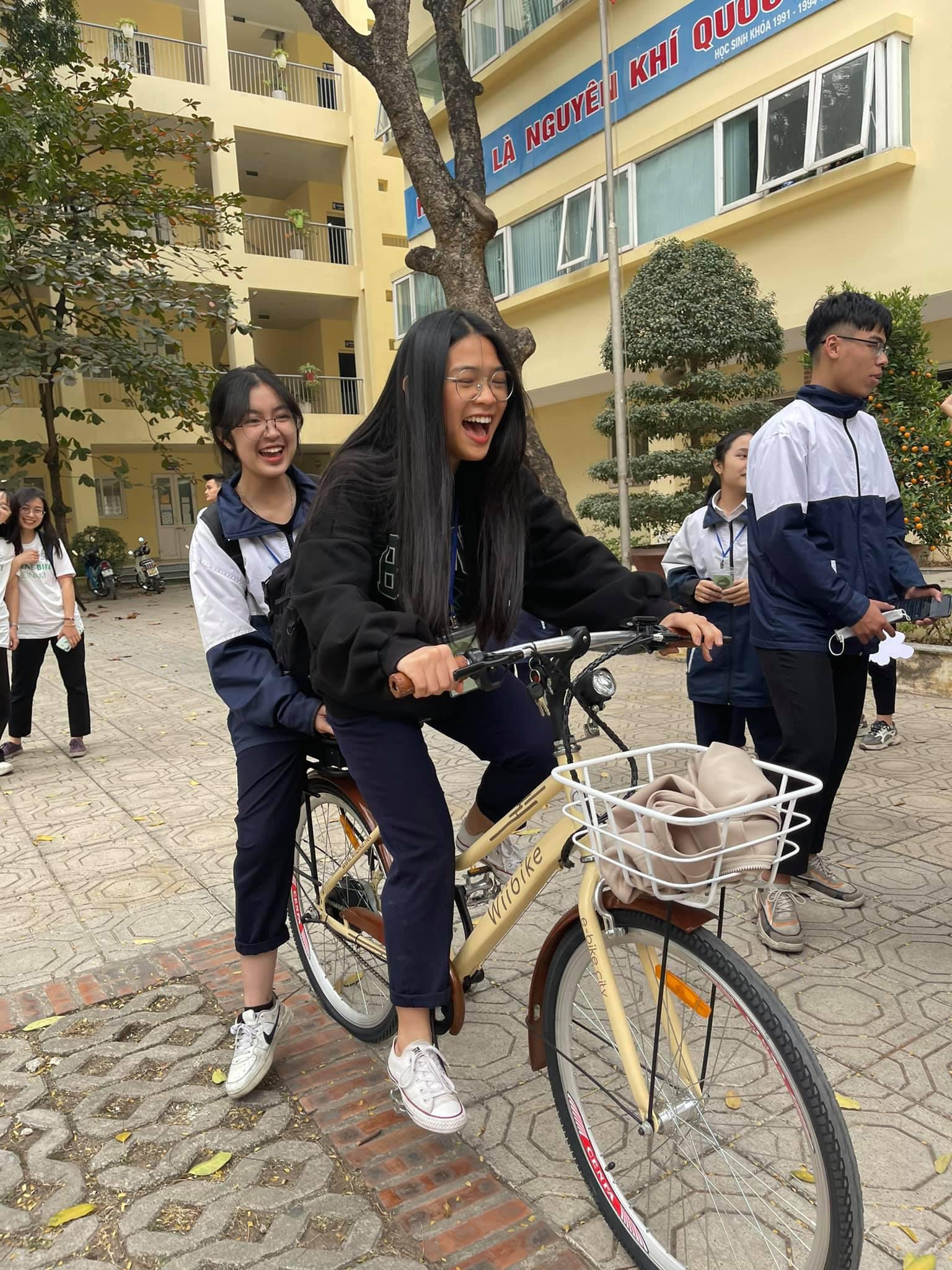 """Dân Hà Nội rộ mốt """"độ"""" xe đạp trợ lực điện, chạy vèo vèo đi làm, dạo phố - Ảnh 11."""
