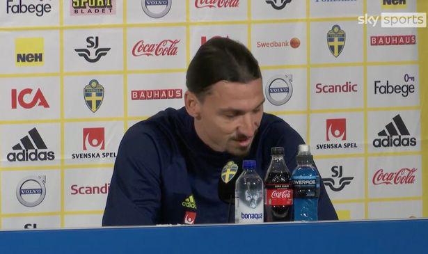 Ibrahimovic rơi nước mắt khi đang phỏng vấn.