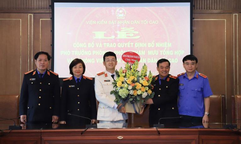 Viện trưởng VKSND Tối cao bổ nhiệm cán bộ thuộc Văn phòng VKSND Tối cao - Ảnh 1.