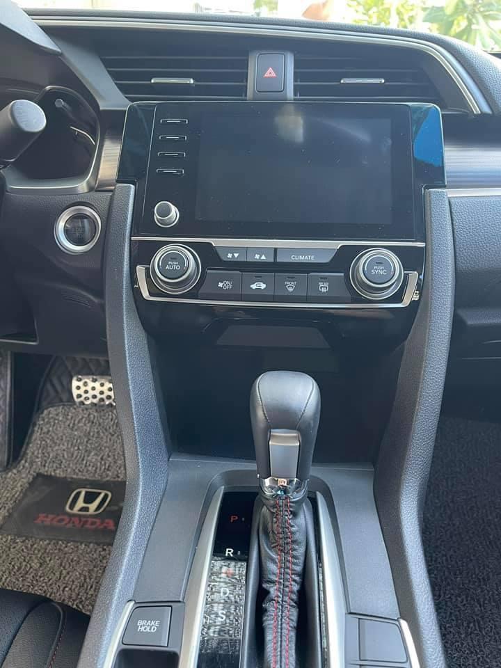 Honda Civic lăn bánh 9 tháng, zin từng con ốc, rao bán giá bất ngờ - Ảnh 5.