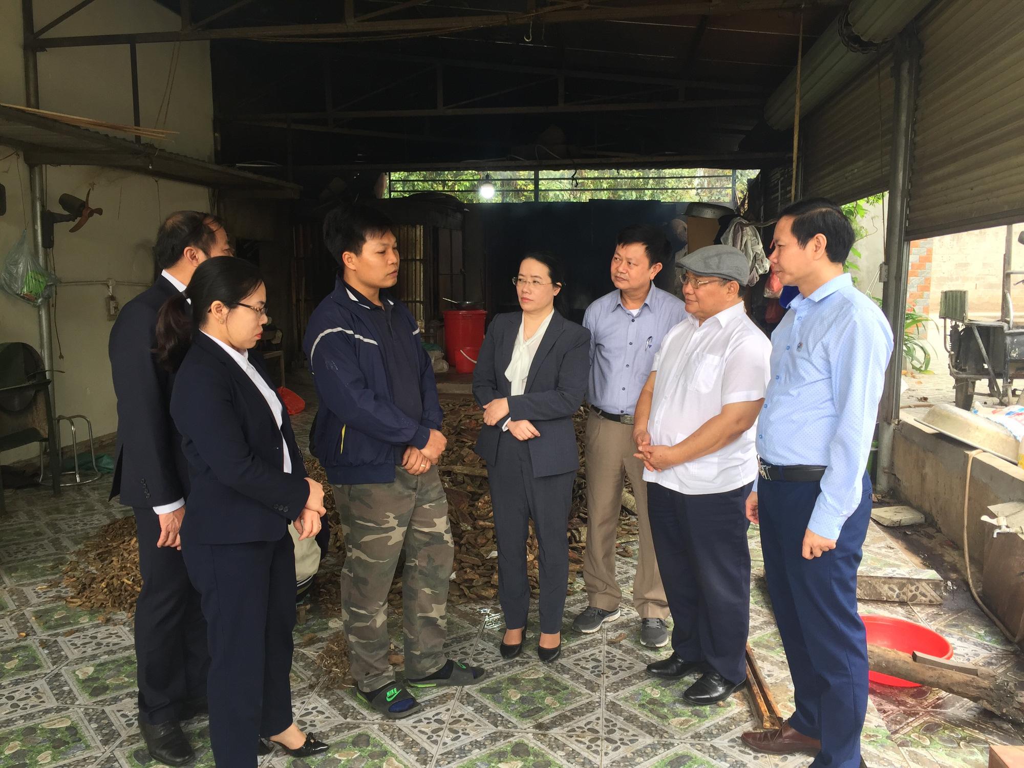 Phó Chủ tịch Hội Nông dân Việt Nam thăm nơi cả làng là người Dao làm nghề thuốc Nam - Ảnh 7.
