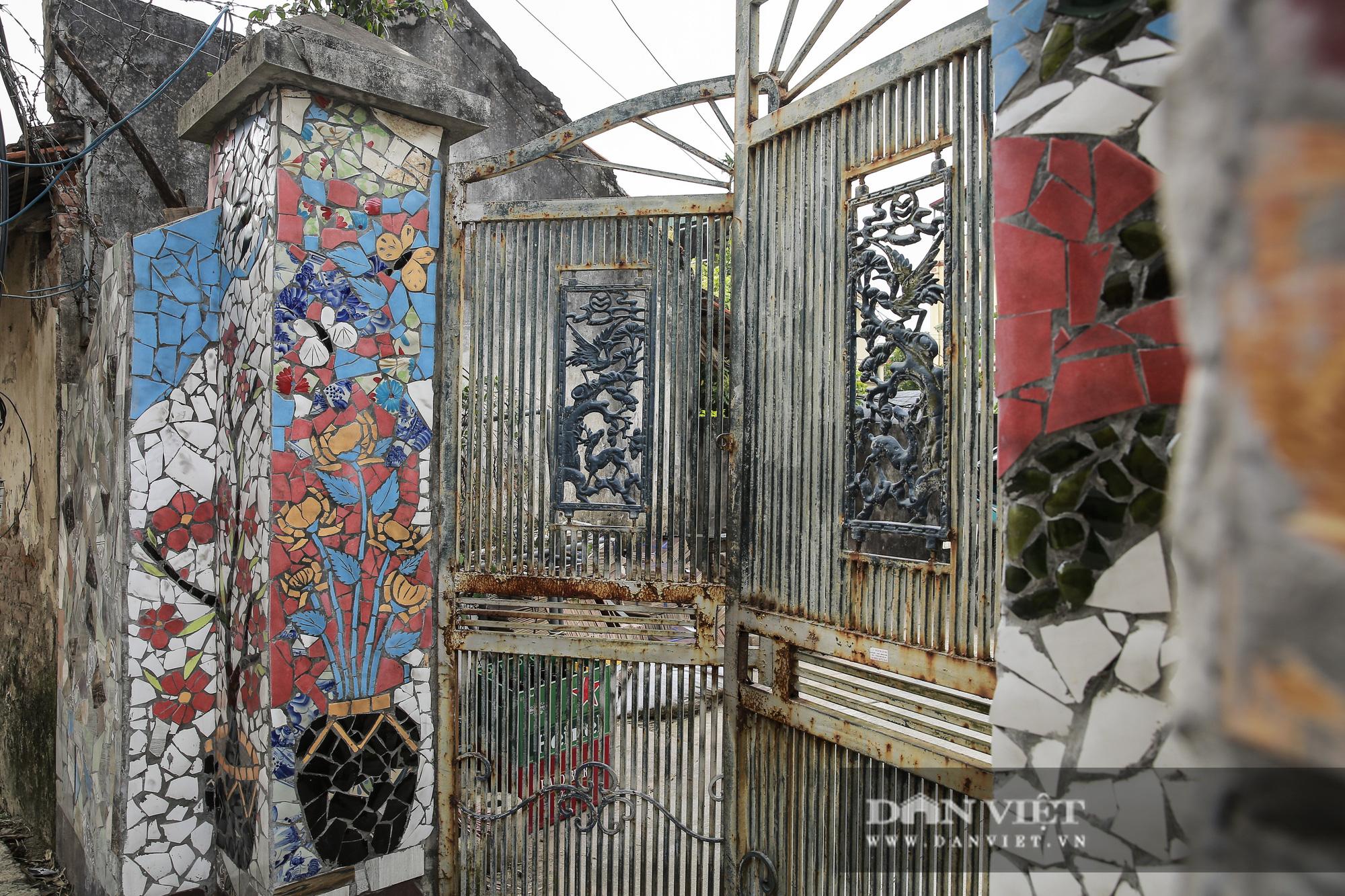"""Đường làng """"thay áo mới"""" bằng những tác phẩm nghệ thuật làm từ đồ phế thải  - Ảnh 7."""