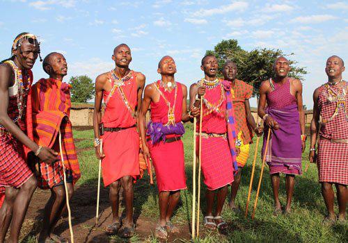 Những phong tục kỳ lạ của thổ dân Massai: Dùng gia súc đổi... vợ - Ảnh 1.