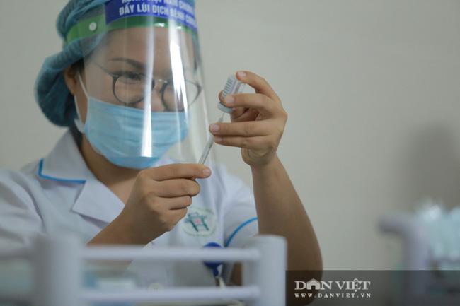 Giữa tháng 4, Việt Nam có thêm 811.000 liều vắc xin Covid-19  - Ảnh 1.